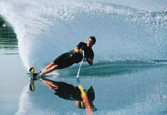 learn to drop a ski waterskiing {summer bucketlist}