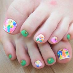 30 Undeniably Cute Toe Nails #naildesignideaz #naildesign #toenails #nailart ♥ If you enjoyed my pin, pls visit us at http://naildesignideaz.com/ ♥
