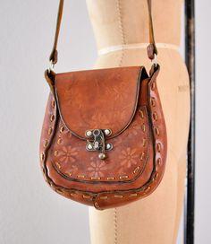 vintage purse / 1960s shoulder bag