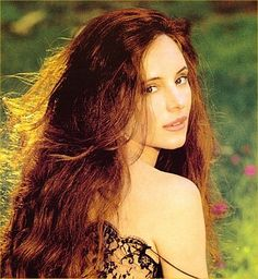 legally blonde sweet home alabama madeline stowe julia roberts pretty - The best Madeleine Stowe Images, Pictures, Photos, Icons and Wallpapers on RavePad! Madeleine Stowe, Beautiful People, Most Beautiful, Beautiful Women, Naturally Beautiful, Celebrity Beauty, Hollywood Actresses, Beautiful Actresses, Redheads