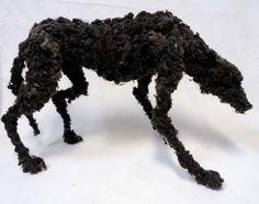 Lionel Sabatté, juin 2011, Loup en moutons de poussière, structure en métal, 85/134/77 cm ©
