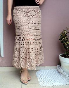 Crochet skirt pattern free for women Crochet Beach Dress, Crochet Bodycon Dresses, Black Crochet Dress, Crochet Skirts, Crochet Blouse, Knit Skirt, Love Crochet, Crochet Clothes, Knit Crochet