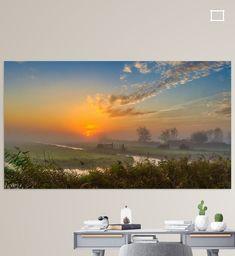 Kleurrijke zonsopkomst in de Schermer Polder. <br><br>De Droogmakerij Schermer is een droogmakerij in het voormalige grote merengebied in de huidige Nederlandse provincie Noord-Holland. Als een van de laatste grote meren is het Schermeer tussen 1633 en 1635 drooggemalen. De droogmakerij lag voorheen in de voormalige gemeente Schermer, maar is sinds 1 januari 2015 onderdeel van de gemeente Alkmaar. De naam is ontleend aan de droogmakerij, die groter is dan alleen het poldergebied van de droogmake Desktop Screenshot, Canvas, Wall, Prints, Poster, Tela, Canvases, Walls, Billboard