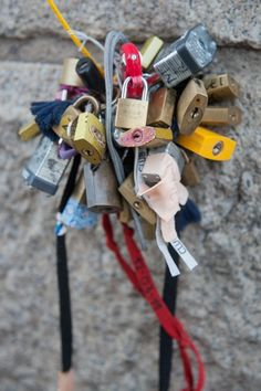 locks of love on the Brooklyn bridge, photography by Peter Tsai