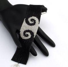 Beaded Bracelet Swirls Narrow Black on Silver by NeatBeading