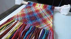 errol pires - Buscar con Google Finger Weaving, Tapestry Crochet, Cowgirls, Spinning, Braids, Blanket, Google, Weaving Looms, Hand Spinning