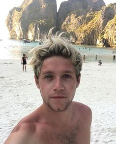 Niall and his lovely holiday in the start if his hiatus