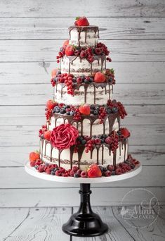 """""""Lady in Red"""" naked Red Velvet drip wedding cake with red berries - by Minh Cakes in Zurich"""