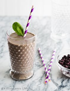 Here is a new smoothie recipe, the Beautiful Brain smoothie, with good food for your brain. Making any year a success requires making good decisions. And we can't make good decisions if we don't feed our brains well. We think so much about healthy eating for our bodies, but what about healthy food for our brains?