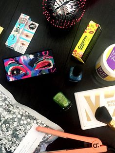 Team Zoe tests a handful of the coolest new productsaround the office. Get ready to fill those virtual shopping carts.