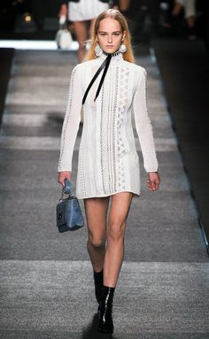 Louis Vuitton - PFW Spring/Summer 2015 - www.so-sophisticated.com