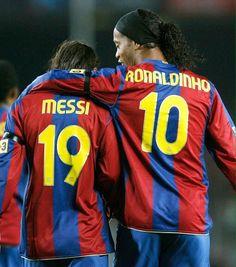 Yo nunca he sido el maestro de Messi. Sólo tuve la felicidad de jugar con él -Ronaldinho-