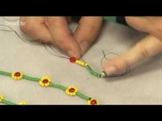 Make a Simple Daisy Necklace - YouTube