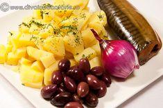 salata-de-cartofi-cu-macrou-afumat-1 Fruit Salad, Cheese, Food, Hoods, Meals, Fruit Salads