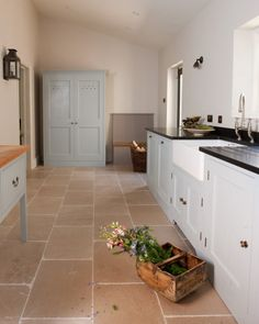 I like this floor!!! Symes Fine kitchens and interiors
