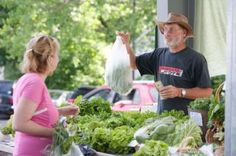 10 tips for selling at a farmer's market --Turn your extra space and love of gardening into a profitable business by selling your harvested produce at the farmer's market!