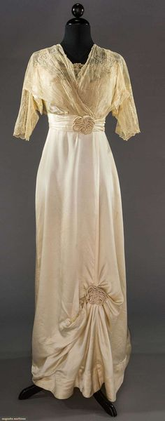 Wedding Gown (image 1)   1912   silk charmeuse   Augusta Auctions   May 11, 2016/Lot 2144