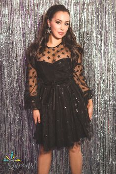perfect idea for a night out, sparkle like a star in the night sky You Look Like, Star Designs, Your Girl, Night Out, Queens, Sparkle, Prom, Sky, Stars