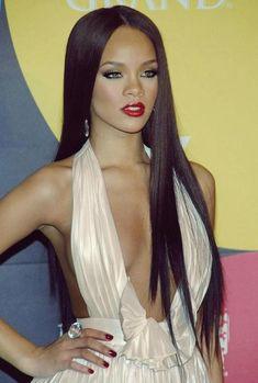 "Back when Rihanna was classy & beautiful, not Trashy & ""hot"" ."