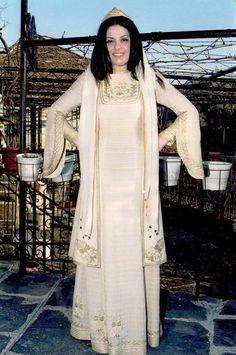 Ζαγορίσια νυφιάτικη φορεσιά Greece, Duster Coat, Jackets, Fashion, Greece Country, Down Jackets, Moda, Fashion Styles, Fashion Illustrations