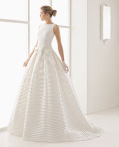 In The White Room Sample Sale 14.1.2017 www.whiteroombridal.co.uk 0114 2722336