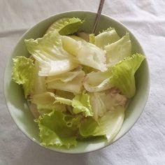 Tonnikalasalaattia kiireessä. #salaatti #tonnikala #lounas #itsetehty #ruokablogi #ruoka#kotiruoka #herkkusuu #lautasella #Herkkusuunlautasella#ruokasuomi