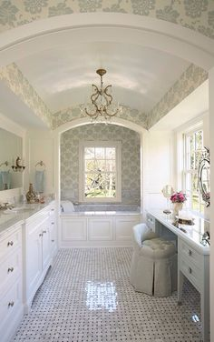 : Marvelous Master Bathroom Traditional Bathroom Design Interior Used Small White Bathroom Vanity Furniture Design Ideas Bad Inspiration, Bathroom Inspiration, Dream Bathrooms, Beautiful Bathrooms, White Bathrooms, Luxurious Bathrooms, Master Bathrooms, Country Bathrooms, Master Baths