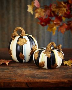 Black and white pumpkins. Decorate for Halloween with these stylishly spooky decor accessories. Chic Halloween, Holidays Halloween, Halloween Pumpkins, Halloween Crafts, Thanksgiving Decorations, Seasonal Decor, Fall Decor, Small Pumpkins, Painted Pumpkins