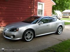 2008 Pontiac Grand Prix; silver with tints