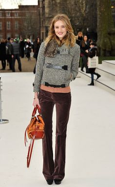 Rosie Huntington-Whiteley in Burberry | 1990s velvet pants make a comeback ...at least on some girls