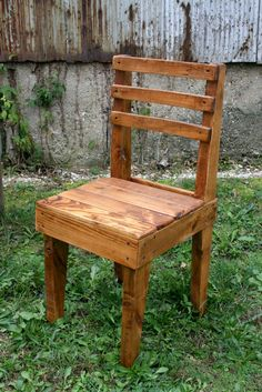 Pallet+Wood+Chairs+by+UpcycledWoodworks+on+Etsy,+$85.00