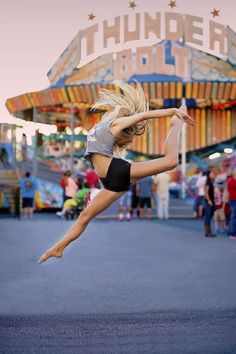 Emily Carskadden Outdoor Ballet Shoot Emily Carskadden Outdoor Ballet Shoot,Step up ballet dance photography Dance Picture Poses, Dance Photo Shoot, Dance Pictures, Jazz Dance Poses, Beach Dance Photography, Gymnastics Photography, Family Photography, Photography Ideas, Street Dance