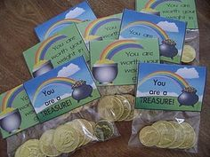 Here is a cute little gift that I had made for my kids teachers when they were in school. I decided to make them this year for the teachers. Teacher Treats, School Treats, School Gifts, Student Gifts, Teacher Gifts, Class Teacher, Volunteer Appreciation Gifts, Volunteer Gifts, Employee Appreciation