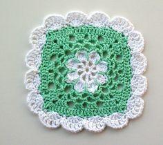 Crochet For Free: Pretty Scallops Dishcloth