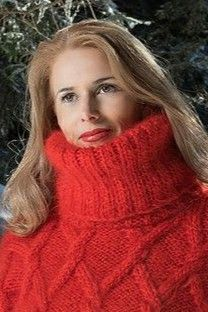 Thick Sweaters, Fingerless Gloves, Arm Warmers, Hand Knitting, Turtle Neck, Awesome, Red, Beautiful, Fashion