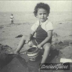 Nicole Frisch Birth year : 1936 Gender : female child  Nationality : French  Background : Jewish  Residence : Paris, France  Death :  August 19, 1942  Cause : Murdered in Auschwitz ( buried in Auschwitz death camp )  Age : 6 years