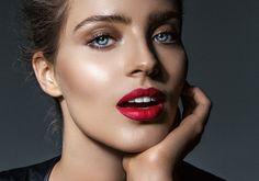 Um truque aqui e outro ali e sua boca pode ficar parecida com a de Angelina…
