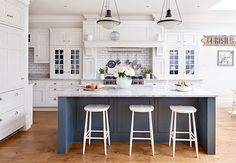 Your Place to Find Great Home Design Classy Kitchen, Living Room Kitchen, Country Kitchen Diner, Kitchen Remodel, White Shaker Kitchen, Kitchen Diner Designs, Country Kitchen, Home Kitchens, Kitchen Dinning