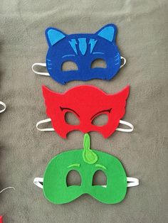 DIY Catboy, Gecko, and Owlette masks to complete your PJ Masks Halloween costume. DIY Catboy, Gecko, and Owlette masks to complete your PJ Masks Halloween costume! Pj Masks Kostüm, Festa Pj Masks, Pj Masks Owlette Costume, Maske Halloween, Halloween Kostüm, 4th Birthday Parties, Birthday Diy, Pj Masks Party Favors, Diy Party Mask