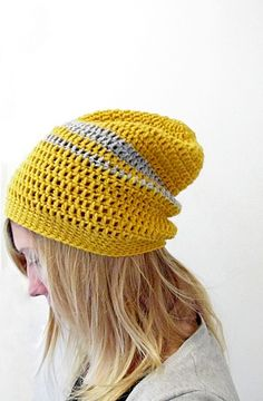 Simple pattern for a cute crochet, slouch beanie.
