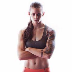 Jessamyn Duke MMA 'The Gun', American female fighter Female Mma Fighters, Ufc Fighters, Female Fighter, Taekwondo, Human Poses Reference, Muscular Women, Fitness Photography, Athletic Women, Female Athletes