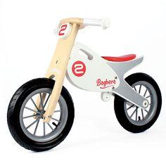 Bicicleta de equilibrio de madera con grandes ruedas inflables como una moto real. Ideal para aprender a montar.