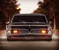 Pontiac GTO The 1967 GTO is considered the 'daddy' when we are talking about old-school muscle cars. Porsche, Audi, Bmw, Lamborghini, Ferrari, Old School Muscle Cars, Old School Cars, Pontiac Firebird, Pontiac Gto