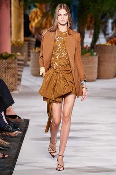 Oscar de la Renta Spring 2020 Ready-to-Wear Collection - Vogue Fashion 2020, Runway Fashion, Fashion Brands, Fashion Show, Womens Fashion, Fashion Design, Vogue Paris, High Fashion Looks, Models