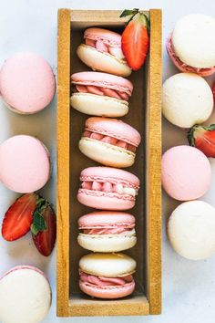These are my Strawberry Macarons, filled with a delicious Strawberry Cream Cheese Frosting, made with freeze dried strawberries Freeze Dried Strawberries, Chocolate Strawberries, Strawberries And Cream, Strawberry Macaron, Strawberry Milkshake, Macaron Filling, Macaron Recipe, Summer Treats, Summer Desserts