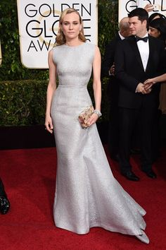 Diane Kruger in classic old hollywood style silver metallic Emilia Wickstead gown at Golden Globes 2015 Red Carpet. Diane Kruger, Golden Globe Award, Golden Globes, Celebrity Red Carpet, Celebrity Dresses, Celebrity Style, Celebrity Jewelry, Celebrity Photos, Glamour Mexico