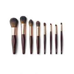 Charlotte Tilbury Th