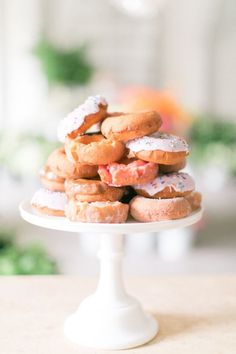 Think You Can't Make Your Own Spring Centerpiece? Think Again People are going nuts for donuts as colorfully edible party displays—raised, old fashioned and sprinkled. (Searches for donut decor Donut Tower, Donut Decorations, Reception Food, Wedding Receptions, Spring Desserts, Delicious Donuts, Baked Donuts, Food Cravings, Dessert Table