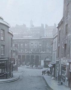 c1900 College Street, Bristol BS1