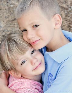 brother and sister picture ideas- hugs